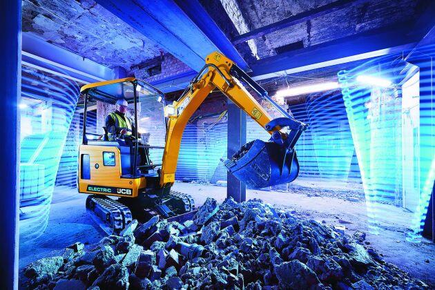 Men en el-grävare ska både underhålls- och driftskostnaderna bli lägre. Men det lär framför allt vara nollutsläppen och de låga ljudnivåerna som lockar till köp.