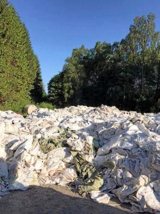 Varje år förbrukas ungefär 20 000 ton plast inom lantbruket. Av denna samlas 17 000–18 000 ton in men om man räknar bort olika föroreningar återstår runt 13 000 ton ren plast.