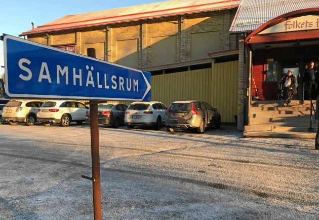 Hembygdsgård 2.0. Samhällsrum med digital service – där det också finns plats för en fika – har möjlighet att bli den nya, moderna mötesplatsen, skriver Malin Ackermann.