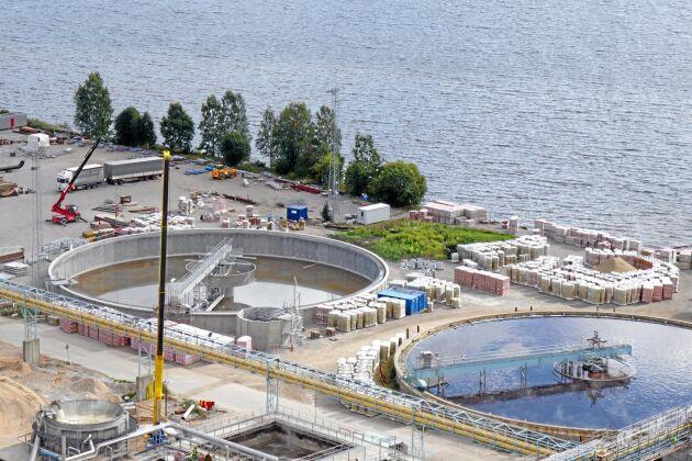 Den utbyggda anläggningen kräver ett nytt renseri, en ny indunstning, en ny torkmaskin och ett utbyggt vattenreningsverk.