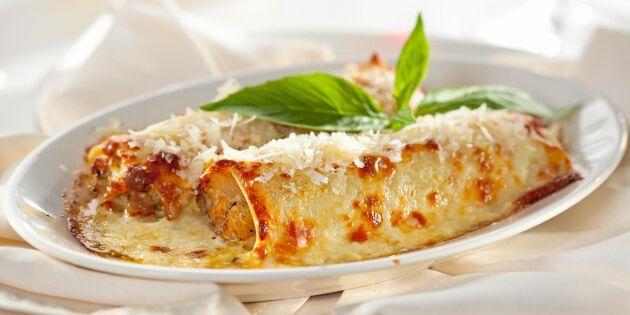 Cannelloni med kycklingröra och ostsås