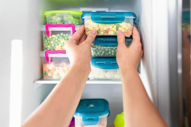 Tinade, frysta grönsaker ska alltid förvaras i kylskåp.