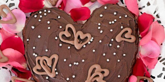 Hjärtformad chokladkaka med chokladkräm