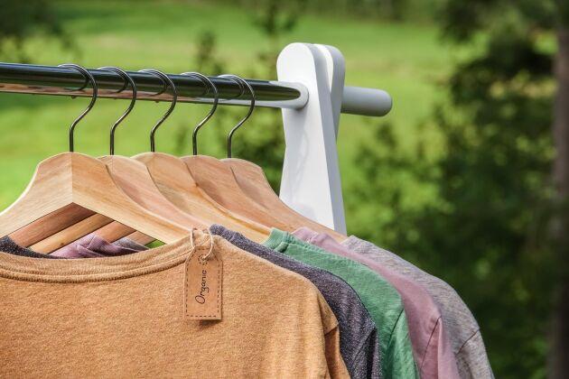 Hampatyg och linne har liknande egenskaper; de är svala i varmt väder och håller värmen i kyligare väder.