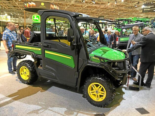 Nya Gator XUV 865M är större än tidigare maskiner.
