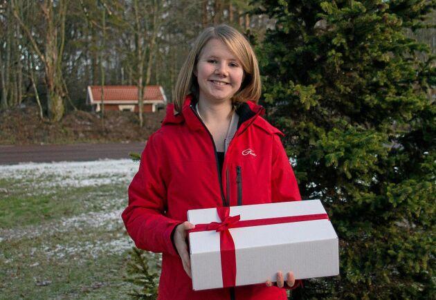 En lokal presentbox med närproducerat tog Elin Almberg fram.