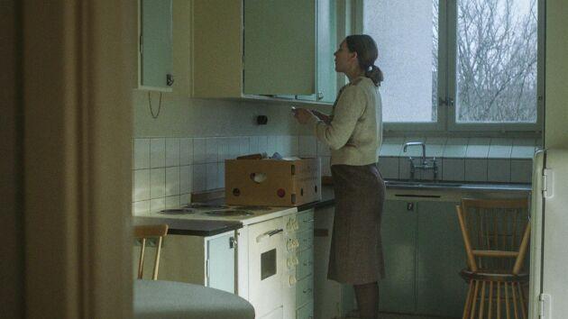 """Margareta """"Maggan"""" Nilsson flyttar in i en typisk folkhemslägenhet i Vällingby."""