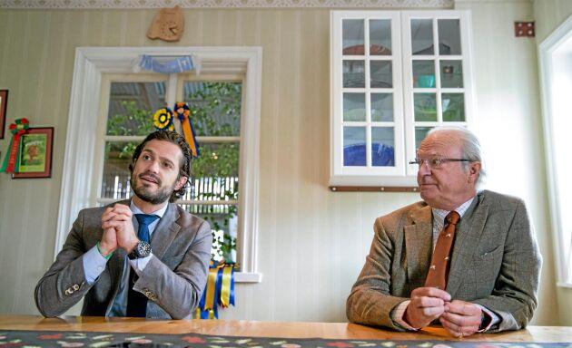 Kungen har arrenderat Stenhammars gods sedan 1965. Då visste han inte så mycket om lantbruk men intresset och kunskaperna har växt med åren, något han fört vidare till prins Carl Philip. Nu hoppas de båda att den kommande arrendatorn, 1-årige prins Alexander, ska ärva intresset för jordbruket.