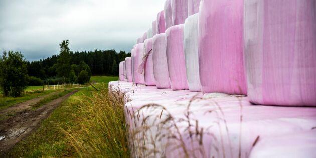 Svårt att återvinna färgad balplast