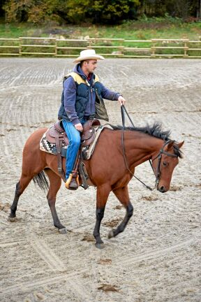 Westerridnig kräver skicklighet. Moreno är i perfekt samklang med hästen som här spinner runt i en slags piruett.