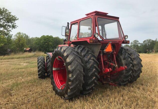 De senaste 10 åren har traktorn främst använts som en gårdstraktor vilket ägaren nu tycker den är lite för stor för.
