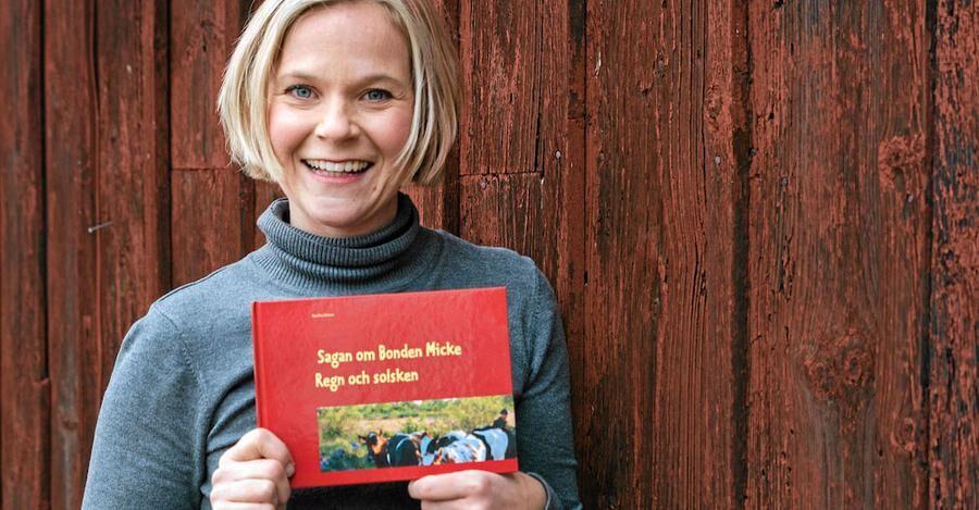 """Under rehabiliteringen förverkligade Karolina en gammal dröm och skrev barnboken """"Sagan om bonde Micke - regn och solsken""""."""
