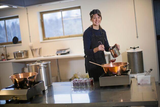 Erika fick stöd från länsstyrelsens landsbygdsprogram till att bygga ett modernt tillagningskök i ladugården.