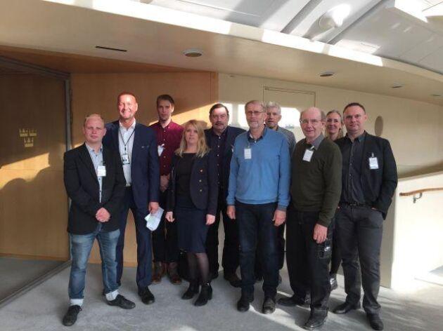 År 2017 befann sig sju lantbrukare, en representant från LRF och från organisationen Den goda jorden på plats i riksdagen på tisdagen för att följa debatten om väg E22.
