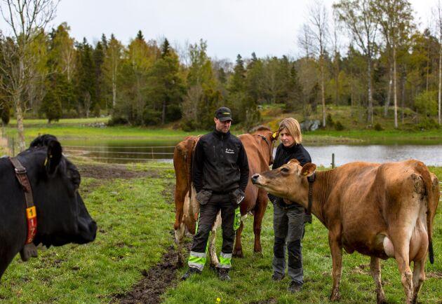 För att slippa återuppleva eländet från torkåret 2018 valde mjölkbönderna Anette och Jacob Gustawson på Billinge gård att anlägga en damm.
