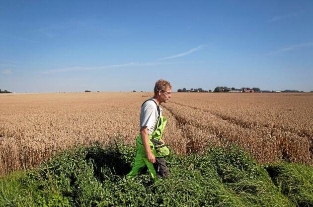 """""""Golfbanor går i alla fall att återskapa till odlingsmark, om ett industriområde asfalteras är det kört"""", säger Anders Hempel."""