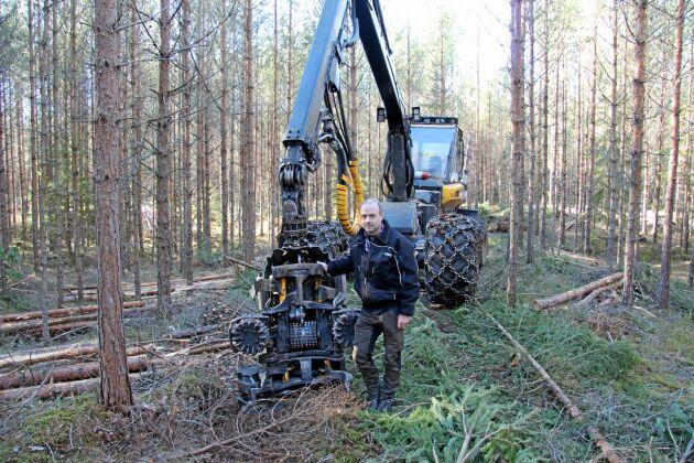 Peter Arne med Finnerödja Skogstjänst har specialiserat sig på hyggesfritt skogsbruk.