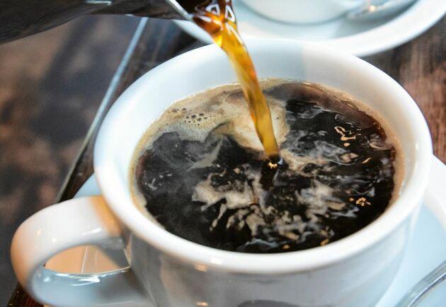 Är du också en kaffeskurk? Det kostar dig och miljön massor!