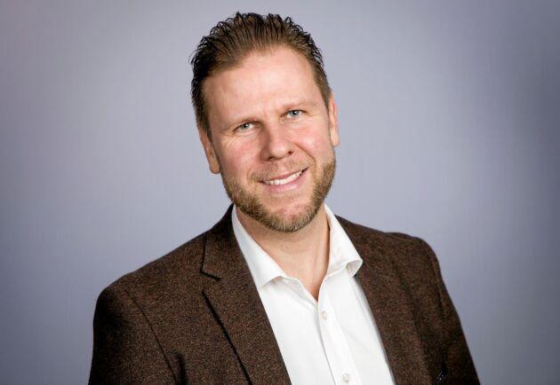 Skogsstyrelsen har i många år drivit projekt för att få in långtidsarbetslösa och nyanlända på arbetsmarknaden, nyligen beviljade regeringen pengar till ett nytt projekt som Fredrik Gunnarsson är ansvarig för.