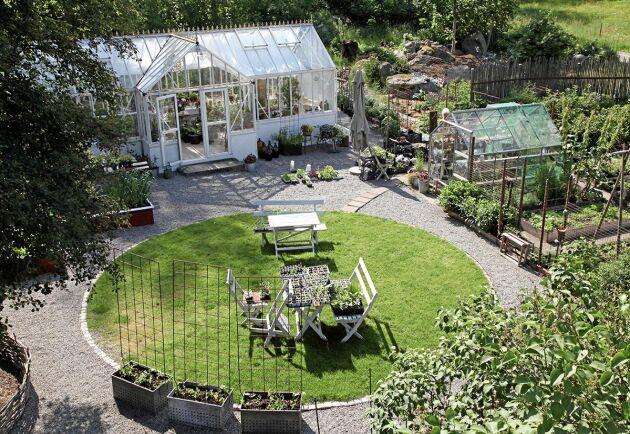Vackra trädgårdar av alla de slag när Land anordnar Öppen trädgård den 19 juli 2020. Här ser vi Anette Brunsells paradis i Alvesta.