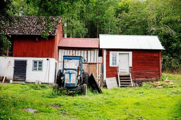 Lada, uthus och traktor är bra när familjen satsar allt mer på jordbruk.