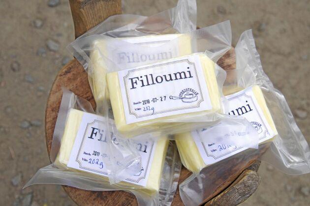 Filips halloumi blev givetvis Filloumi. Stekosten är mindre salt och mer krämig än sin cypriotiska förlaga.