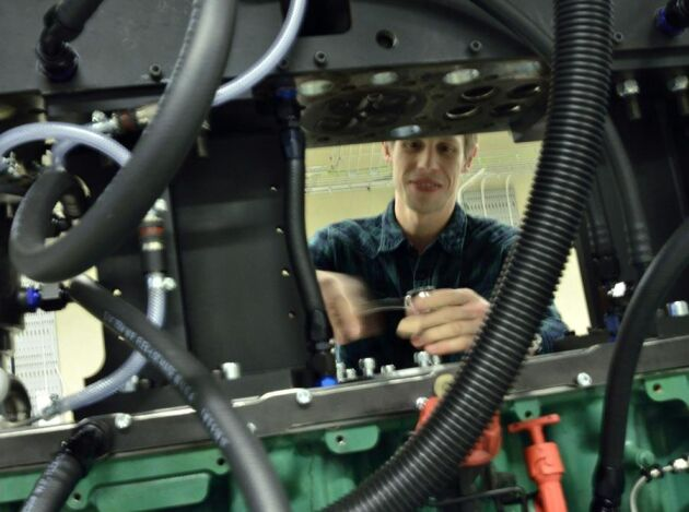 Marcus Lundgren är doktorand med inriktning på optiska motorer där förbränningen kan observeras och dokumenteras i detalj.