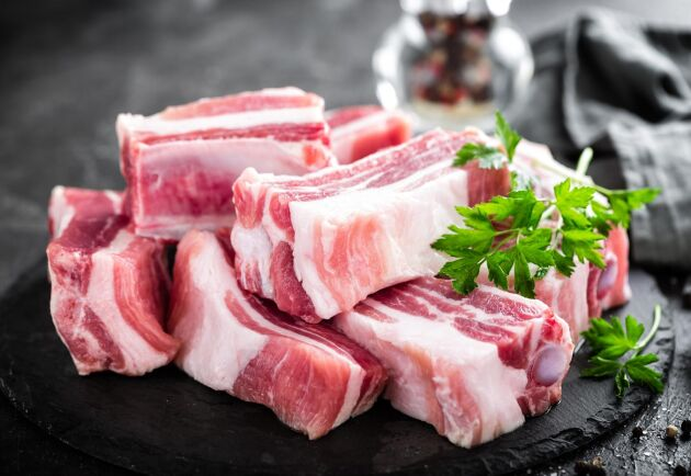 Att svenska priser på livsmedel lockar norska köpare är inget nytt. Tjocka revbensspjäll kan kosta så lite som en sjättedel av det norska kilopriset.