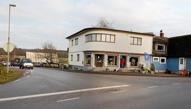 Lanthandeln är Norra Rörums hjärta och att den öppnar igen ger liv åt byn i Mellanskåne.