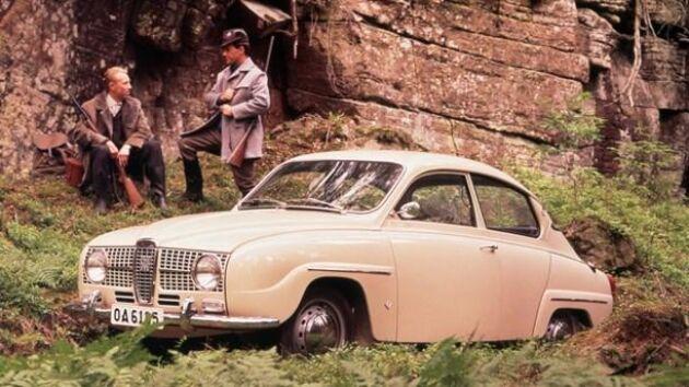Saab 96 V4 De Luxe 1968, är en av de tre bilmodellerna som väntas på att hitta hem någonstans.