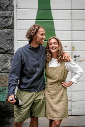 Varje skörd lär vi oss nya saker och jag längtar hela tiden till nästa skörd, säger Klara Peterssons och Axel Bäck.