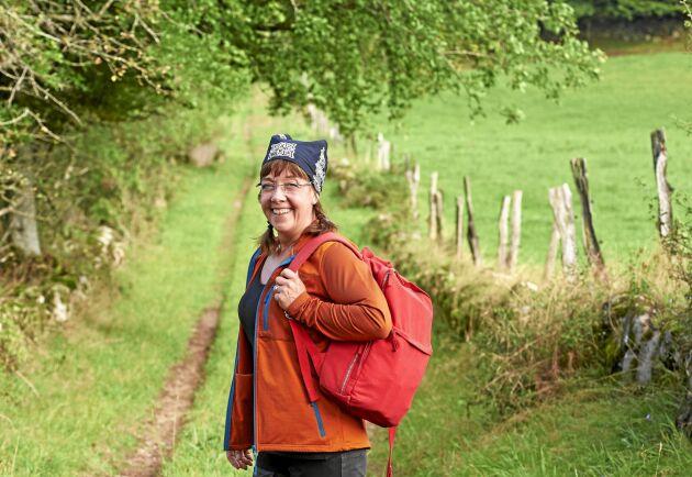 Bonden Helena Olofsson guidar i sitt skånska landskap där hon har sina rötter på både mammas och pappas sida.
