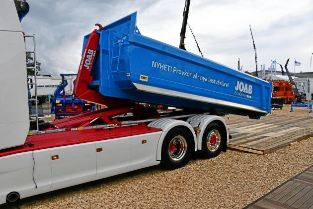 Joabs lastväxlare Ecodrive som använder växlarens och flakets rörelseenergi för att sänka energiförbrukningen. Vid normal användning sparas 3 000 liter bränsle.
