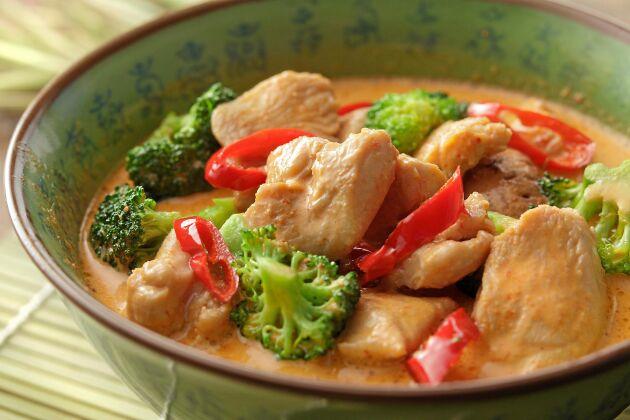 Kyckling från Thailand där mycket antibiotika används i djurhållningn, är inte ovanlig på restauranger.