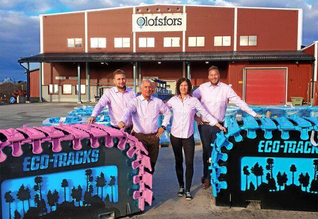 Årets auktion av rosa skogsmaskinband från Olofsfors slog nytt rekord.
