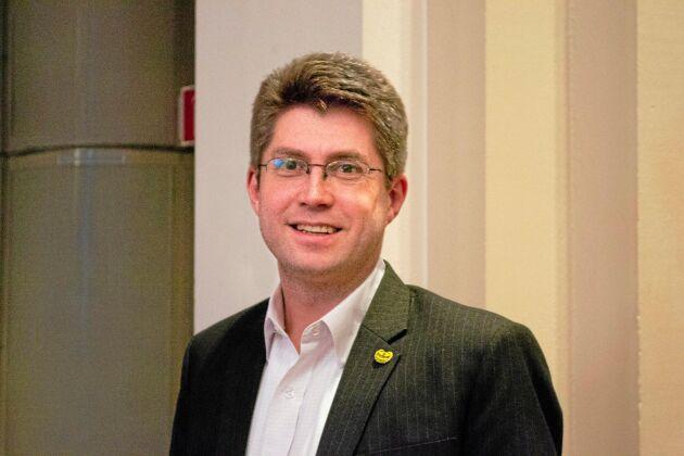 """""""Ta avstånd från brottslighet"""" uppmanar Johan Dalén."""