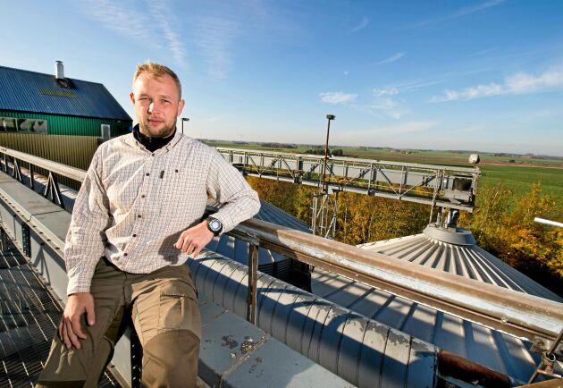 I oktober 2017 tillträdde Mathias Knudsen som vd på Skabernäs i södra Skåne. I maj 2019 berättade han att han går tillbaka till sin tidigare arbetsgivare Krenkerup Gods.