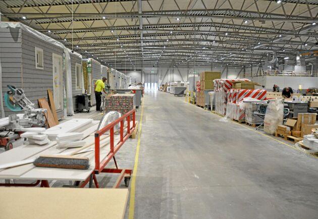 Götenehus nya fabrik stod klar 2018. Här kan bolaget industriellt tillverka trähus på två till fyra våningar.