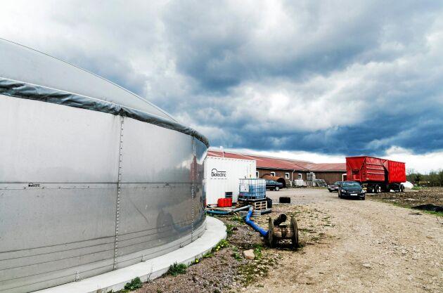 Gårdsanläggningen är anpassad efter hur mycket gödsel som produceras på gården.