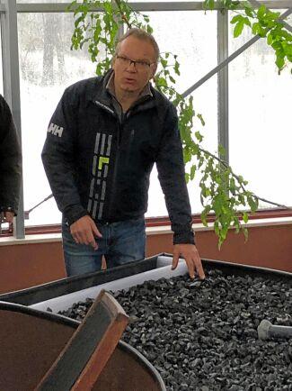 Biokolet från flispannan används som jordförbättringsmedel.