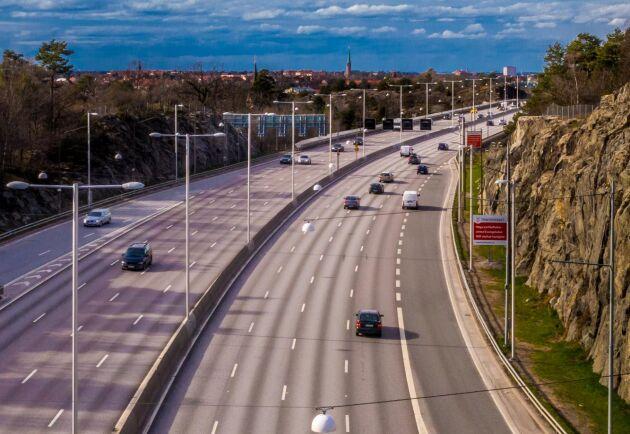 De stora biljättarna satsar just nu stora resurser på att ge bilarna en bättre miljöprofil genom att framför allt ersätta olika plaster.