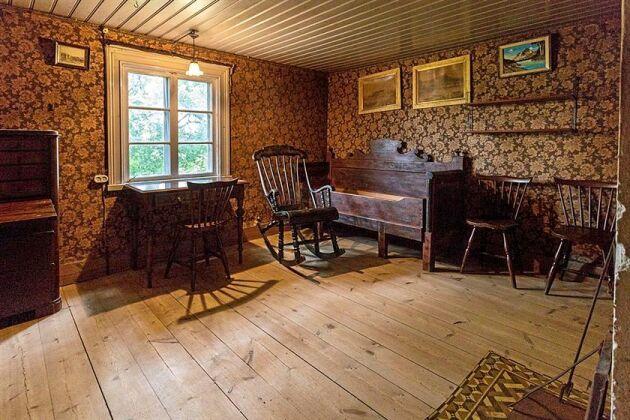 Husets ventilation består av självdrag.