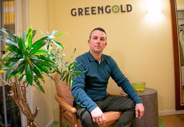 Greengold har kontor på Kungsgatan i Stockholm och bolag i Sverige, Finland, Estland, Lettland, Litauen och Rumänien. Hur mycket mark bolaget äger vill inte VD Sorin Chiorescu berätta.