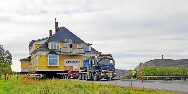 Se när Ingenjörsvillan rullar i Kirunas stadsflytt
