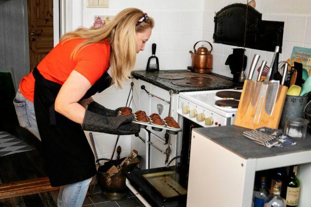 Nu kan Nina snart grädda sina muffins i ett riktigt cafékök.