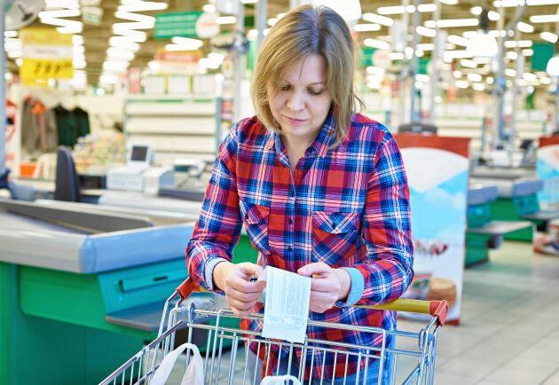 Nu stiger matpriserna så att det börjar märkas när man handlar.