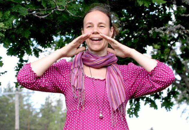 Karin Lindström Kolterud är folksångerska och håller bland annat kurser i kulning och folksång.