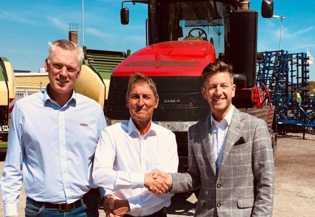Per-Olof Ohlson, distriktschef för Case IH i södra Sverige, Anders Bramsvik, ägare Ystad Traktor & Maskin och Markus Ågren, affärschef Case IH Norden och Baltikum är nöjda med det nya samarbetet.