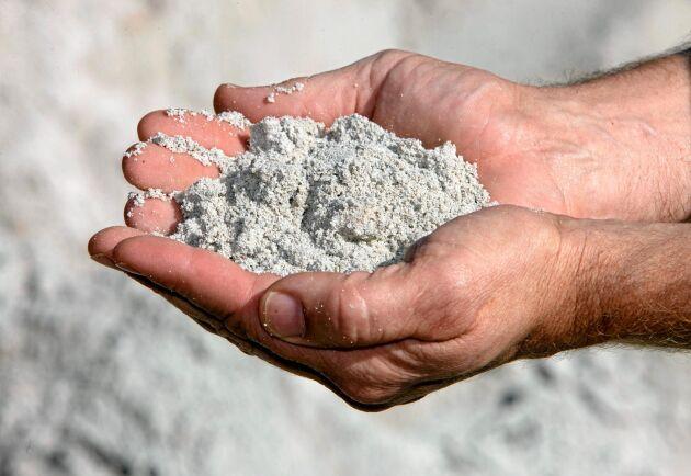 Mark- och miljööverdomstolen säger stopp för kalkbrytning i Bunge men Nordkalk lovar att driva processen vidare.