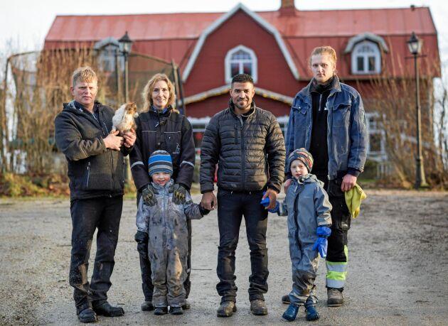 Ahmad är så tacksam över att ha lärt känna den isländska familjen – Thorleifur och Tone med sina tre söner: Söndre, Sindri och Sander.